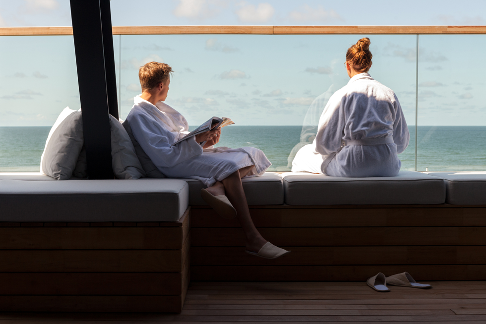 SPA.LOUNGE mit Meerblick zu Ostern im Wyn. Strandhotel Sylt genießen