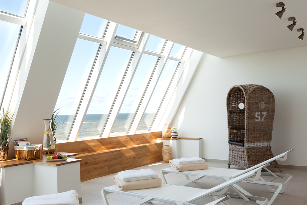 Wellness mit Meerblick beim Sommerurlaub im Wyn Strandhotel Sylt genießen