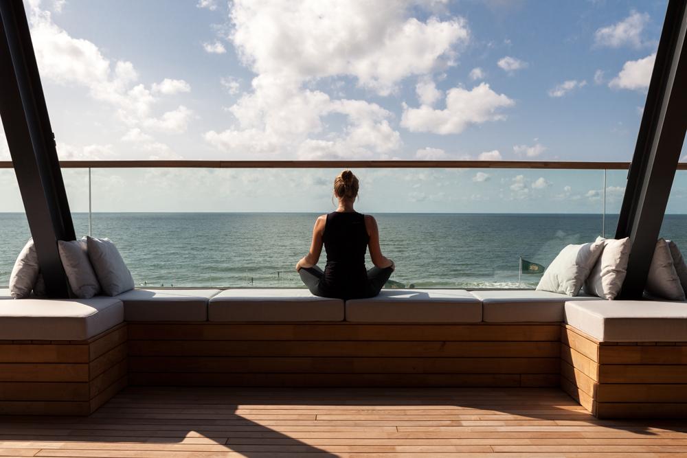 Yoga mit Meerblick im Wyn. Strandhotel Sylt