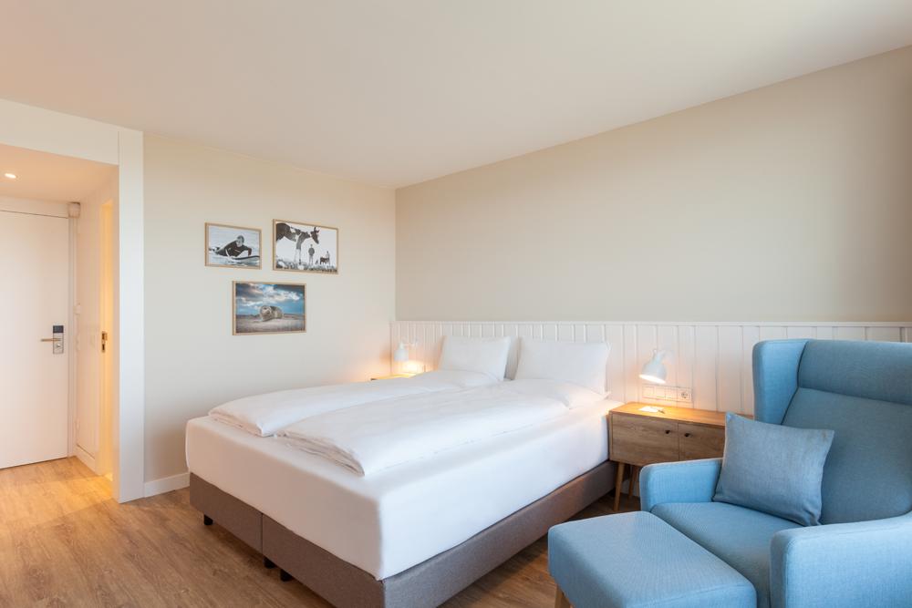 Buche dein wohnliches Hotelzimmer im Wyn. für den Urlaub auf Sylt